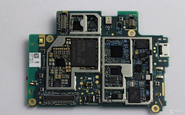 Xperia-Z2-disassembly-guide_23