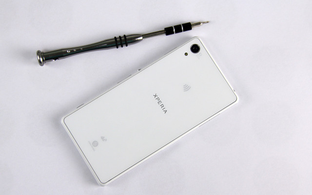Xperia-Z2-disassembly-guide_3